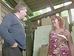 Deutsch Milf Mom und Dad Fick im Freien auf dem Bauernhof