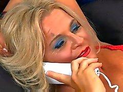 Kuuma kypsä blondi puuma Chloe - Totti
