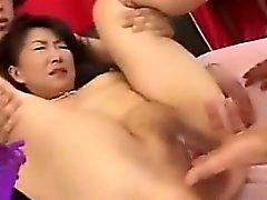 Creampie ett lite mognare Japansk kvinna