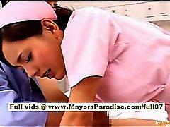 LSV Yoshizaki Sexy Chinese Mädchen genießt die auf einer mit dem Bus