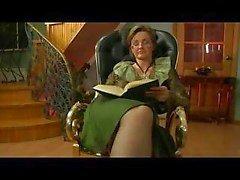 Бабушки выебанная по на стуле