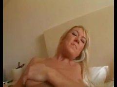 Sıcak Ashlyn Brooke ve arkadaş Hotelroom'da Yabancıları sikikleri