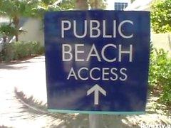 Plaj hottie Ağızını