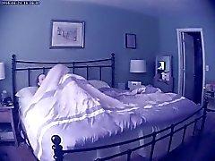 Frau Wichsen Erwischt Immer - Versteckte Webcam - Teil 1 von 3