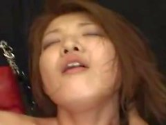 jeune soumise japonaise moule poilue bondagee et baisee