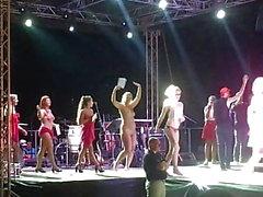 Bayan çıplak Koversade yarışması