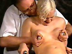 Medizinische Fetisch des für BDSM Blonde schätzchen Chaos