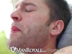 ManRoyale - Abel Bågskytt Fångas Jerking för att Porn av Derek Himmel
