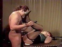 Büyük Juggs Lanet Doc ile Randy MILF