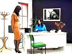 Zwangere mam melken Met Doctor - Anna & Vielta