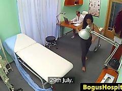 Amadora Bigass capturado em spycam transando documento