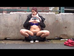 Zarina Masood pipi nue à Birmingham