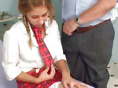 Sıcak öğrencisi Rachel Evans ona mounth doctor horoz alır