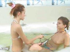schon Bad und ultracute Küken