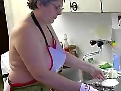OmaPass Abuela se masturban peluda un consolador el uso coño y la pepino de