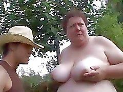 Lihavia poikasen maksaa ruoan Sex