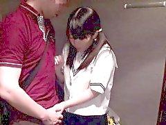 Изящные школьницей barelylegal Азии шлифование