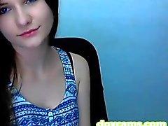 Bigtits brunette horny on shower room live !!