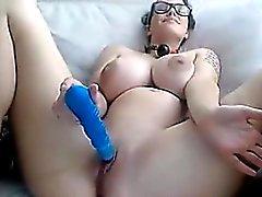 Fantastisk Boobs flicka dildoing i Klotter VR88
