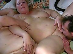 bir üçlü Granny in