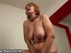 Gamla naken hemmafru suger stor part5