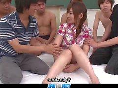 Untertitel Japanische Mädchen Miku Airi genießt mit m