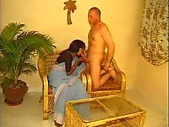 Hint Ev hanımı ve onun Beyaz Koca