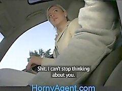 HornyAgent Loiro Ex-Girlfriend monta o meu galo no meu Car