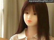 Ung japansk dotter körd av styvpappa