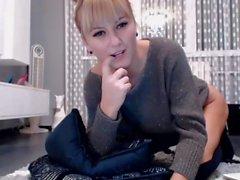 Larisa se joaca la webcam! (III) RomaniaXXX