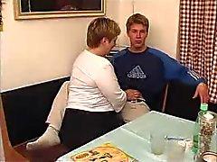 Plump maduro com jovem