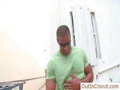 Качка темнокожий парень всасывается part3