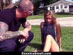ExxxtraSmall - Winzig Skater Teen bekommt Haarige Möse gebohrten