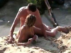 Kız sahil popo içinde Başlarken