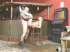 Европеоид человек получает его полный петух в задницу белого человека !
