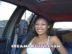 interview Hot chick - jeu de gode de voitures - Creampie se terminant