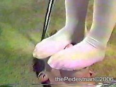 различные ногой кал