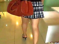 Heta Filipina kontor flickan spårade och propositioned på sex