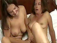 Olgun ve genç lezbiyen II