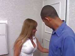 Excited room boy with big tool hits out at blonde tranny