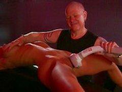 Blond stora tuttar fetisch Babe torterad av mästare