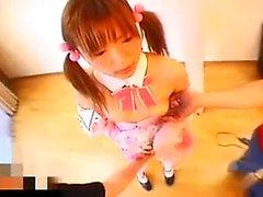 Codino giapponese studentessa di un abito sexy la espone