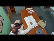 FakeHospital Rus piliç doktora cinsel bir iyilik yapar