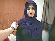 Arabiskt flyktingar kvinnan får D- och älskar att det