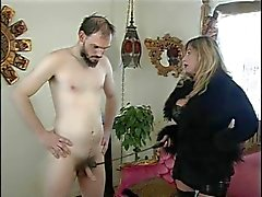Tettone signora di Cristian & schiavo nell'azione