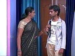 Indian House esposa Tía Pareja adolescente con ventilador