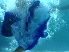Sqaure Danse Petticoat Pron dans la piscine