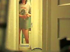 Duş sonrası eşinin Gizli Kamera