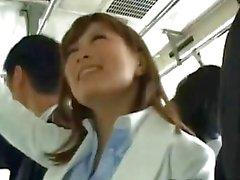 Японская кабинет женщина не получает бригаду хлопнула в поезде