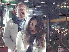 Mila Kunis gefickt hinterrücks
